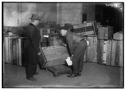 Photo StorageboxescrateslabelingpaintingmencontainerswordsBain News Service
