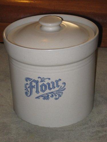 Pfaltzgraff Pottery Yorktowne  FLOUR  Canister w Lid